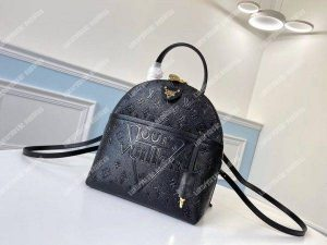 LV Discovery Backpack PM Taiga Leather Cobalt_leather