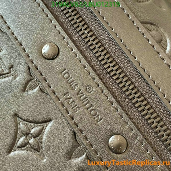 Louis Vuitton's best quality backpack mountaineering bag men and women backpack travel bag LV bags M44727 (4)